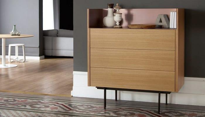 Go for Minimal Bedroom Furniture